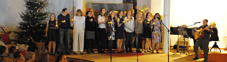 Vystoupení učitelského sboru na vánoční besídce